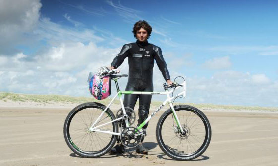 And here's Guy Martin with the record breaking bike