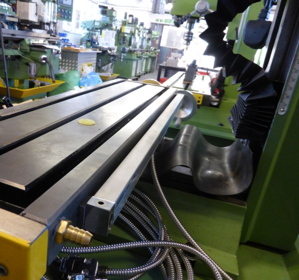 DRO scale on milling table