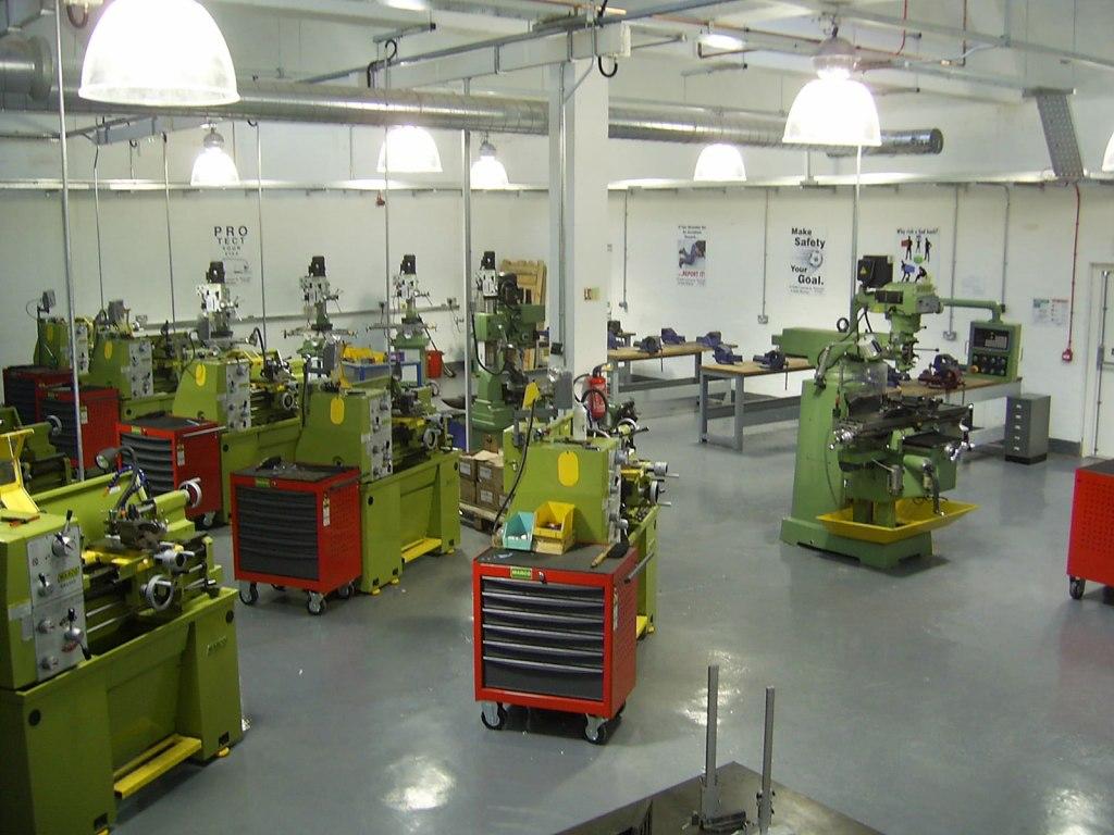 Education installation of metalworking machines